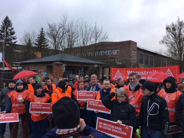 Warnstreik beim Kranbau Eberswalde wird unterstützt vom DGB Ostbrandenburg