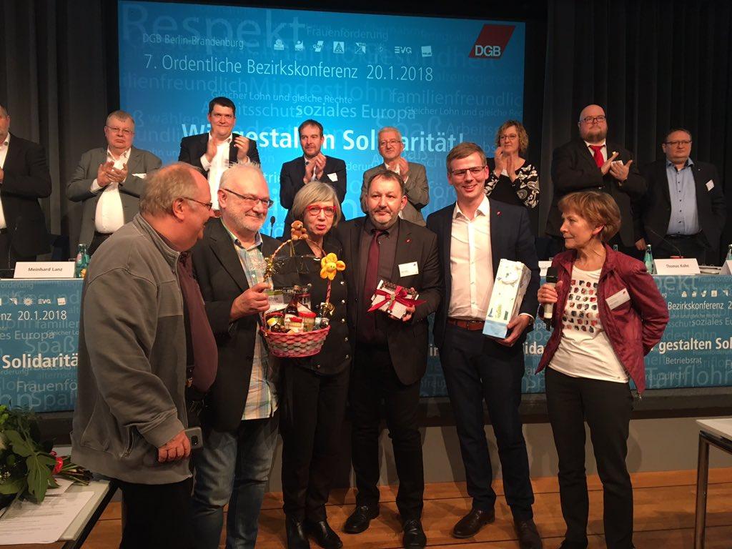 Bezirksvorsitzender, Stellvertreterin und die vier Regionsgeschäftsführer des DGB Bezirks Berlin-Brandenburg nach ihrer Wahl