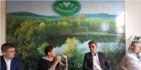 dgb annelie buntenbach auf renenpol tour in britz ewg