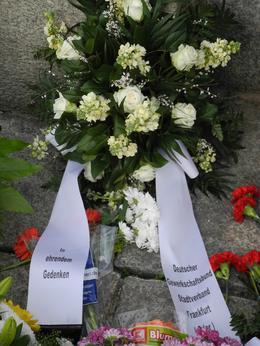 Blumengebinde des DGB-Stadtverbandes Frankfurt (Oder)